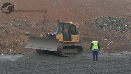 Landfill construction with machine guidance