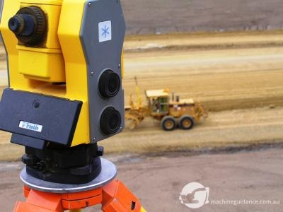 The instrument transfers accurate and real-time position data to the grader.