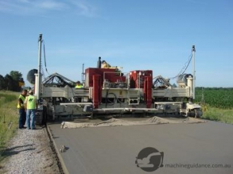 Machine Guided Construction with 3D Paver